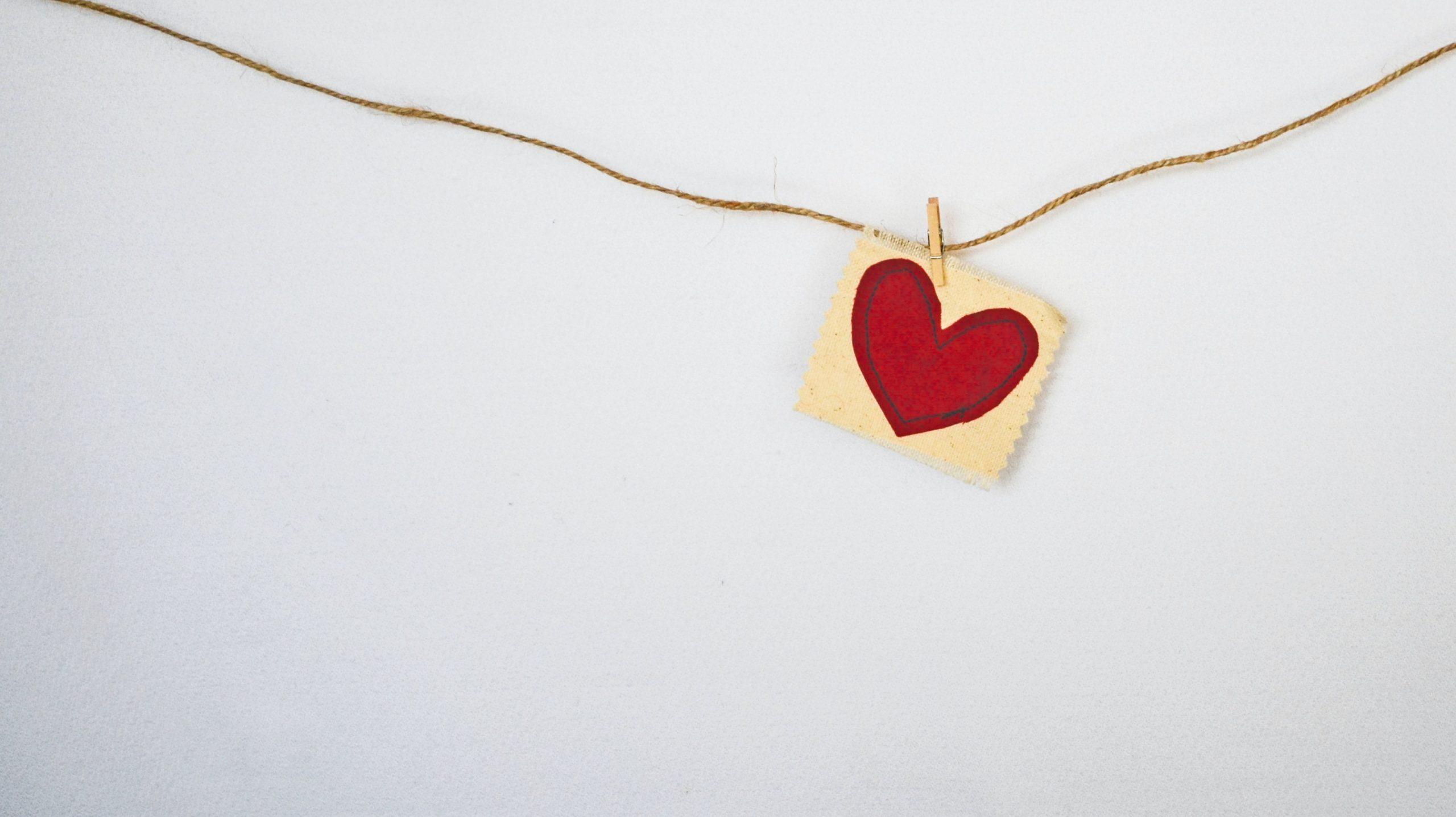 """""""In Abwesenheit des Herzens, sind Liebe und Hass 2 Seiten der gleichen Medaille"""" (Sri Bhagavan)"""